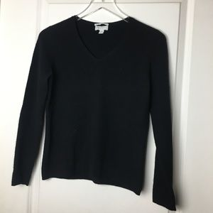 100% cashmere V-neck sweather